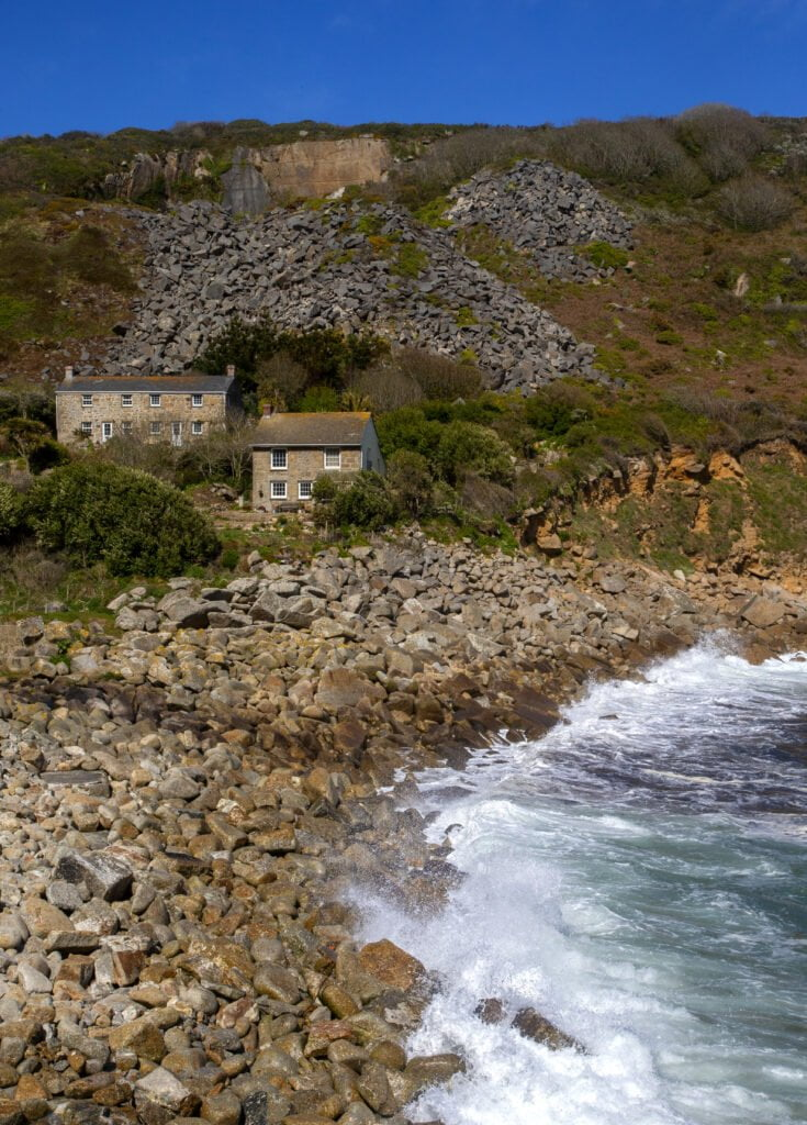 This image has an empty alt attribute; its file name is lamorna15-735x1024.jpg